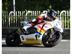 Flying Kiwi Bruce Anstey tops the times...131.431mph
